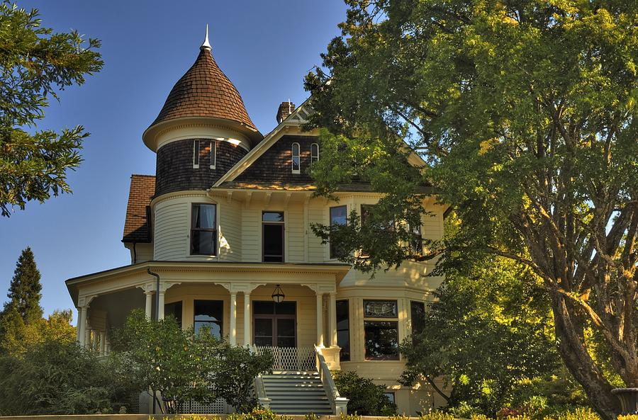 Photo Photograph - Historic Victorian House by Tyra  OBryant