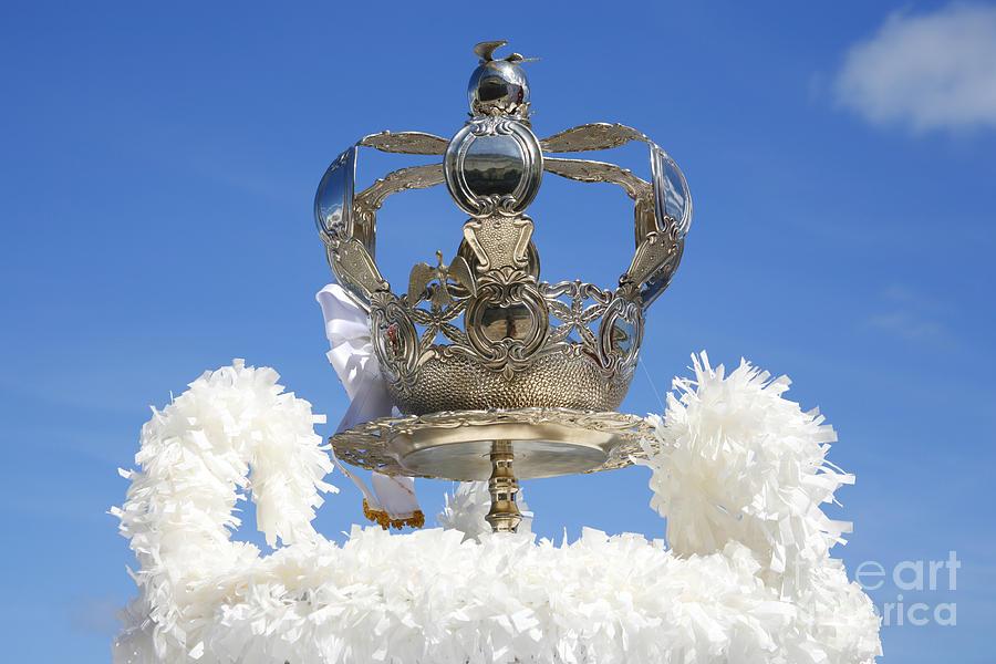 Holy Spirit Photograph - Holy Spirit Crown by Gaspar Avila