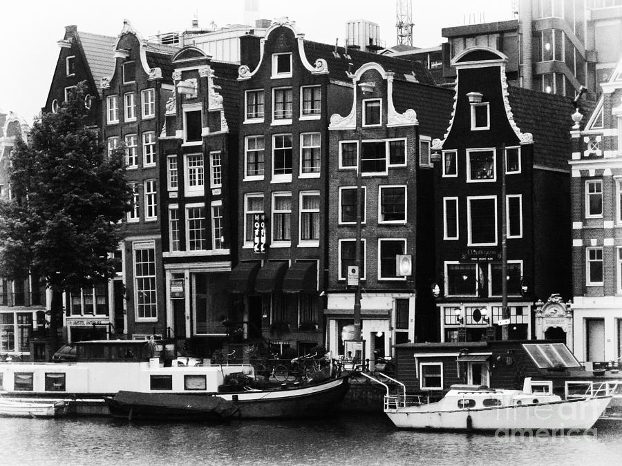 Amsterdam Photograph - Homes Of Amsterdam by Leslie Leda