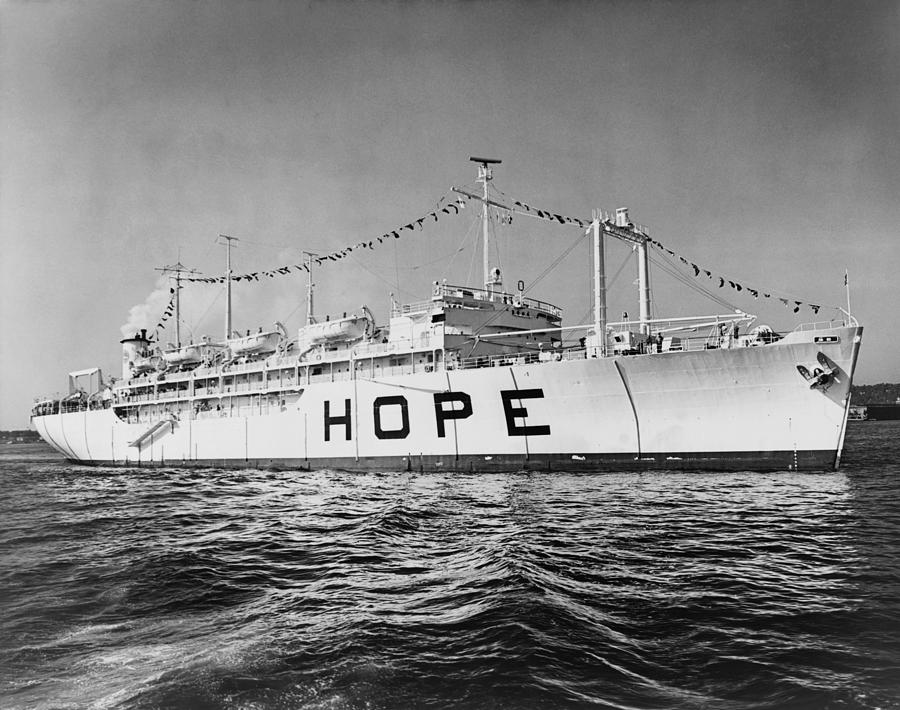 History Photograph - Hospital Ship, S.s. Hope , 15,000-ton by Everett