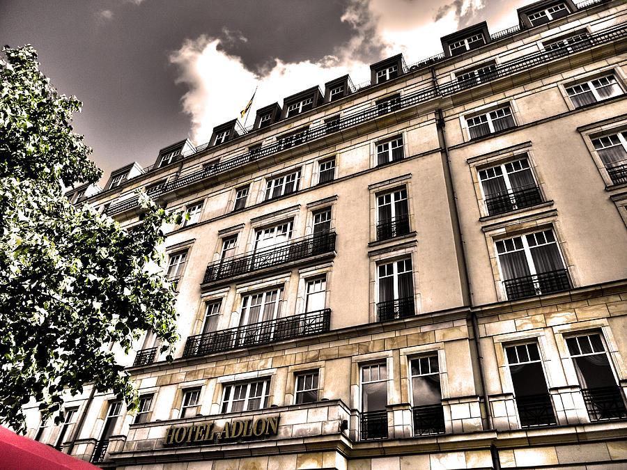 Hotel Adlon - Berlin by Juergen Weiss