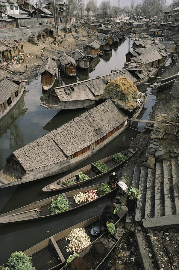 Asia Photograph - Houseboats Line A Waterway by Gordon Wiltsie