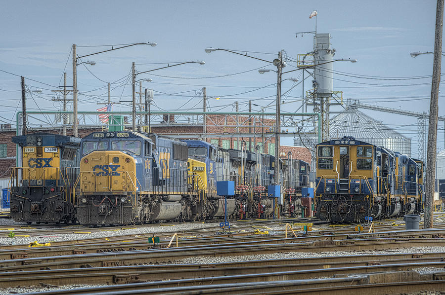 Csx Photograph - Howell Yards Evansville Indiana by Jim Pearson