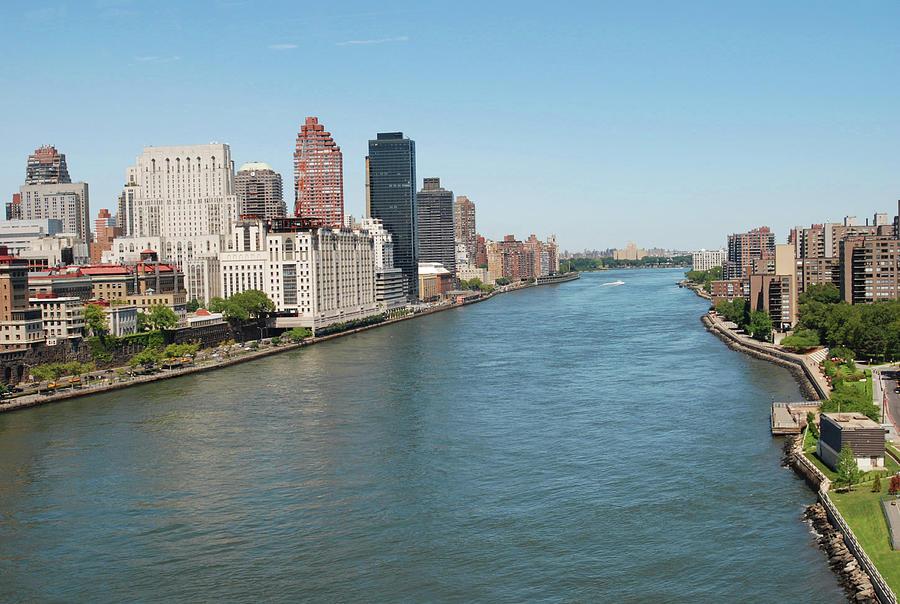 Horizontal Photograph - Hudson River, New York City by Thepurpledoor