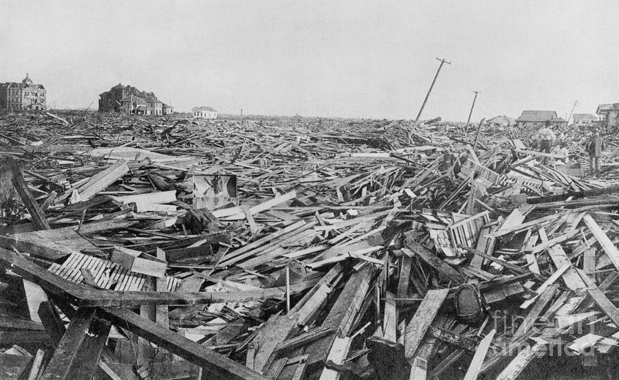 Hurricane Damage Galveston 1900 Photograph By Science Source