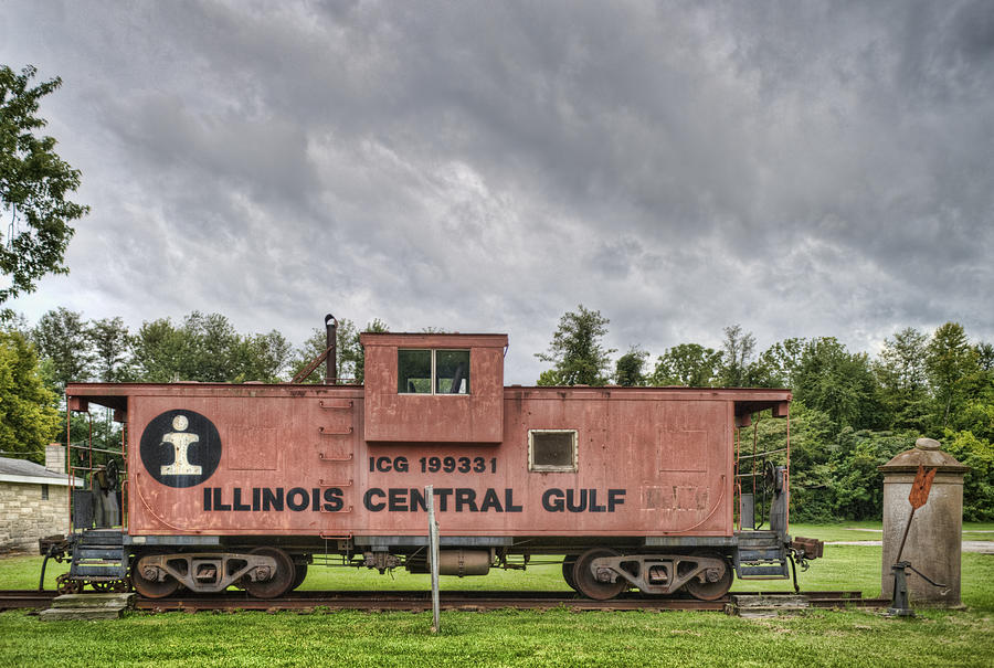 Caboose Photograph - Icg Caboose by Jim Pearson
