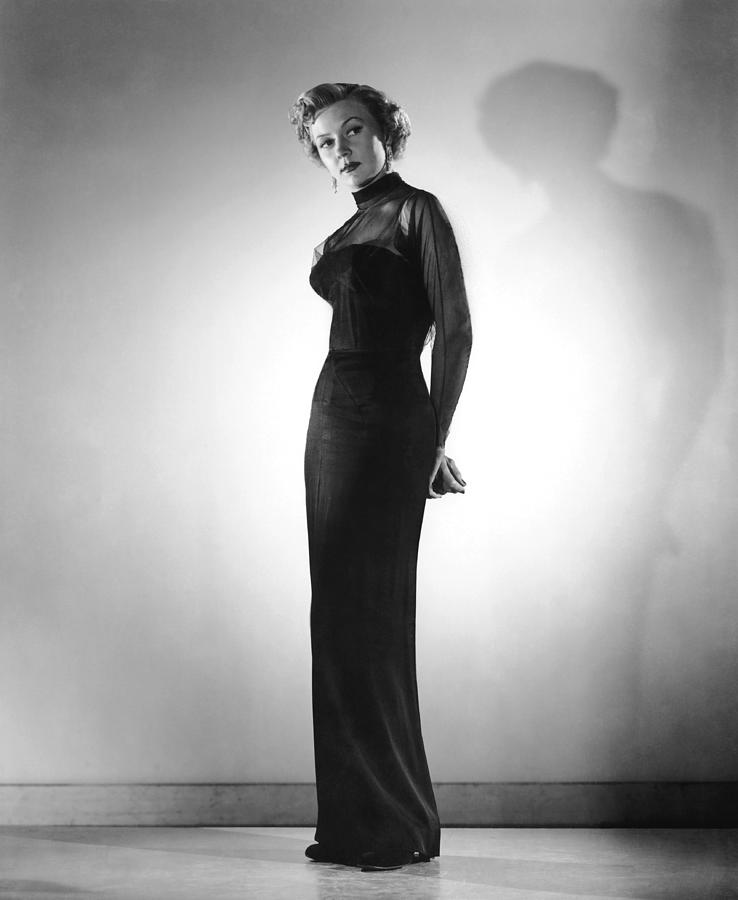 1950 Movies Photograph - In A Lonely Place, Gloria Grahame by Everett
