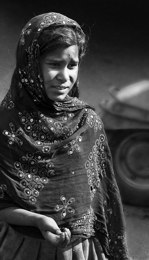 Agra photograph indian girl black and white by mark coran