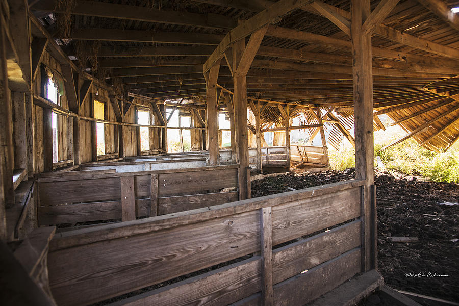 Inside The Round Barn Photograph By Edward Peterson