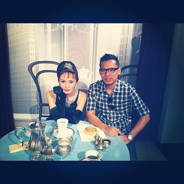 Ittew Dating Ngan Hantu Audrey Hepburn Photograph by Odie Ysn