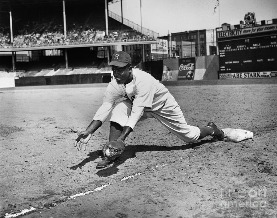 1947 Photograph - Jackie Robinson (1919-1972) by Granger