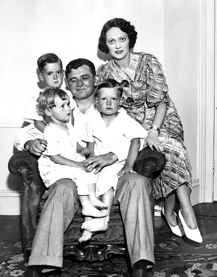 James Braddock, Wife May And Children Photograph by Everett
