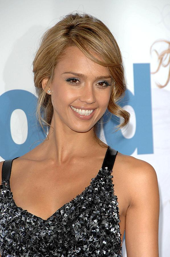 Premiere Photograph - Jessica Alba At Arrivals For Premeire by Everett