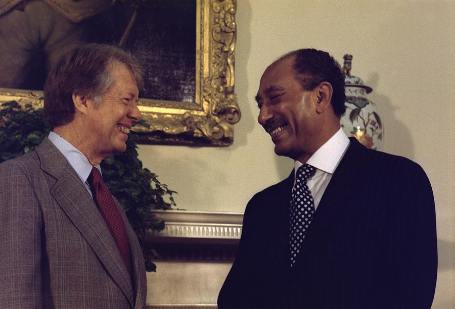 History Photograph - Jimmy Carter With Egyptian President by Everett