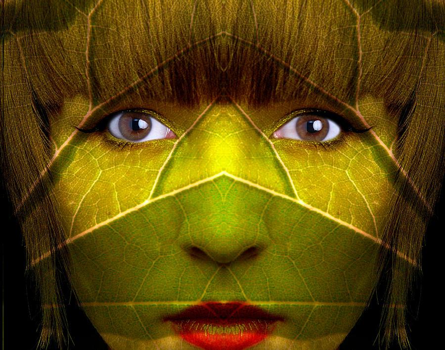 Face Photograph - Jungle Denizen by Jim Painter