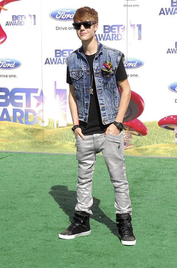 Justin Bieber Photograph - Justin Bieber At Arrivals For 2011 Bet by Everett