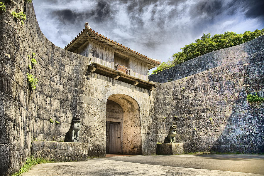 Gate Photograph - Kankaimon Gate  by Karen Walzer