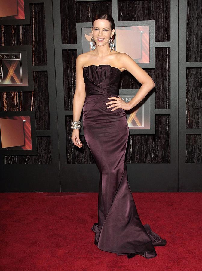Awards Photograph - Kate Beckinsale Wearing A J. Mendel by Everett
