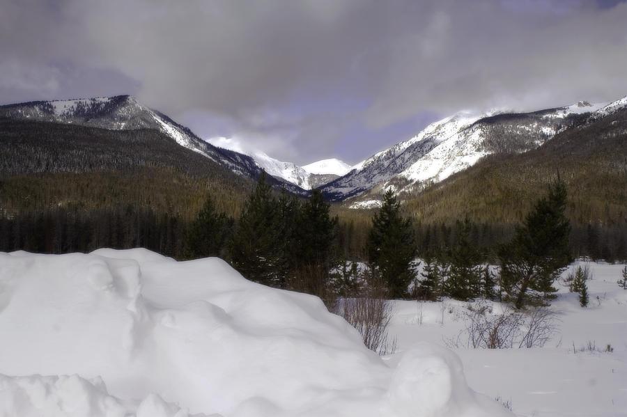 Rocky Mountains Photograph - Kawuneeche Valley - Rocky Mountain National Park by Ellen Heaverlo