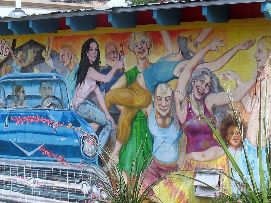 Murals Photograph - Keeping It Weird In Austin by Patti Whitten