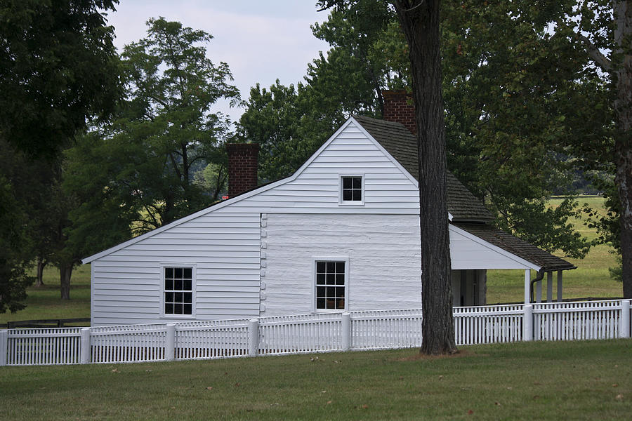 Appomattox Photograph - Kitchen And Slave Quarters Appomattox Virginia by Teresa Mucha