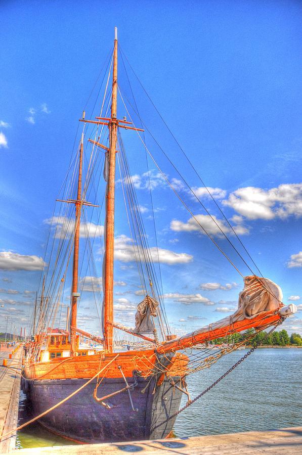 Malmo Digital Art - Know The Ropes by Barry R Jones Jr