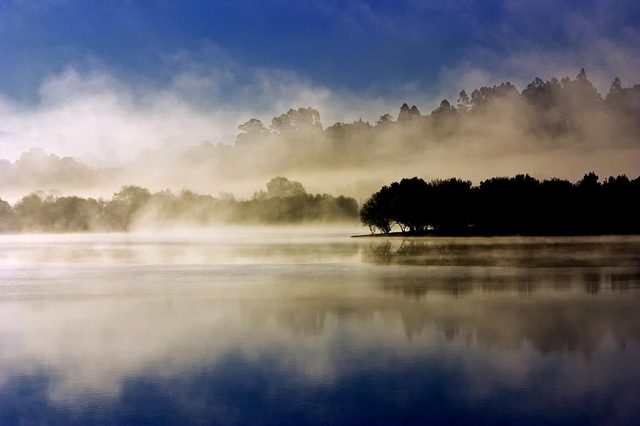 Landscapes Photograph - La Niebla by Julio Beceiro