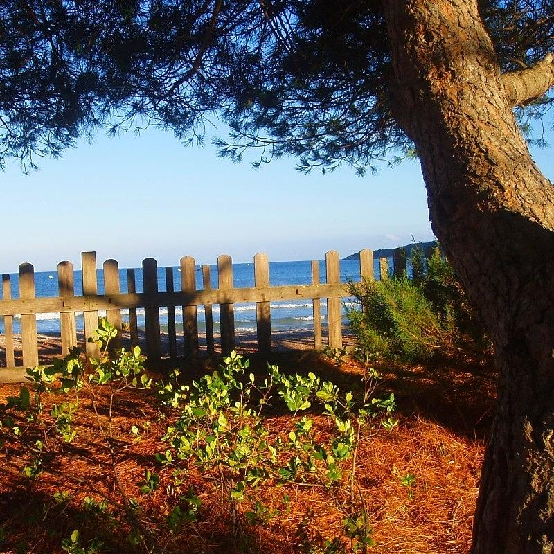 Sea Landscape Photograph - La Valla Del Mar by Eire Cela