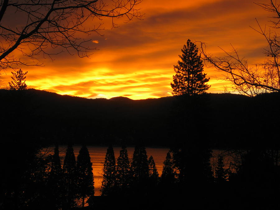 Lake Photograph - Lake Arrowhead Sunrise by Diana Poe