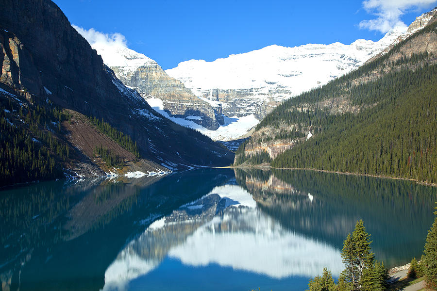 Canadian Rockies Photograph - Lake Louise 1827 by Larry Roberson