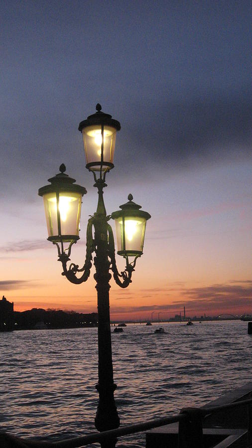 Sunset Photograph - Lampost Sunset In Venice by Catie Canetti