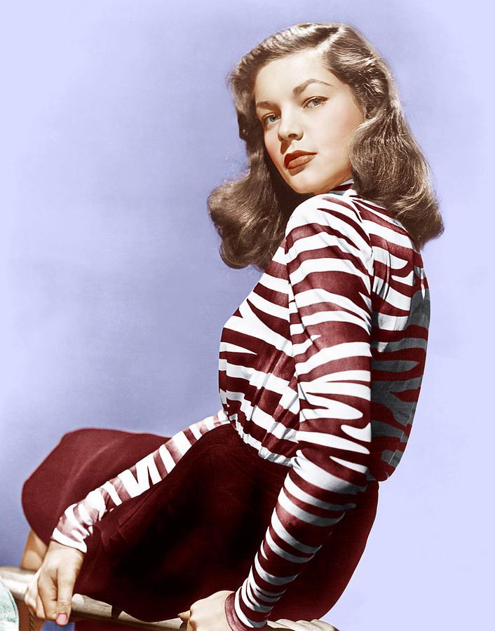 Lauren Photograph - Lauren Bacall, Ca. 1944 by Everett