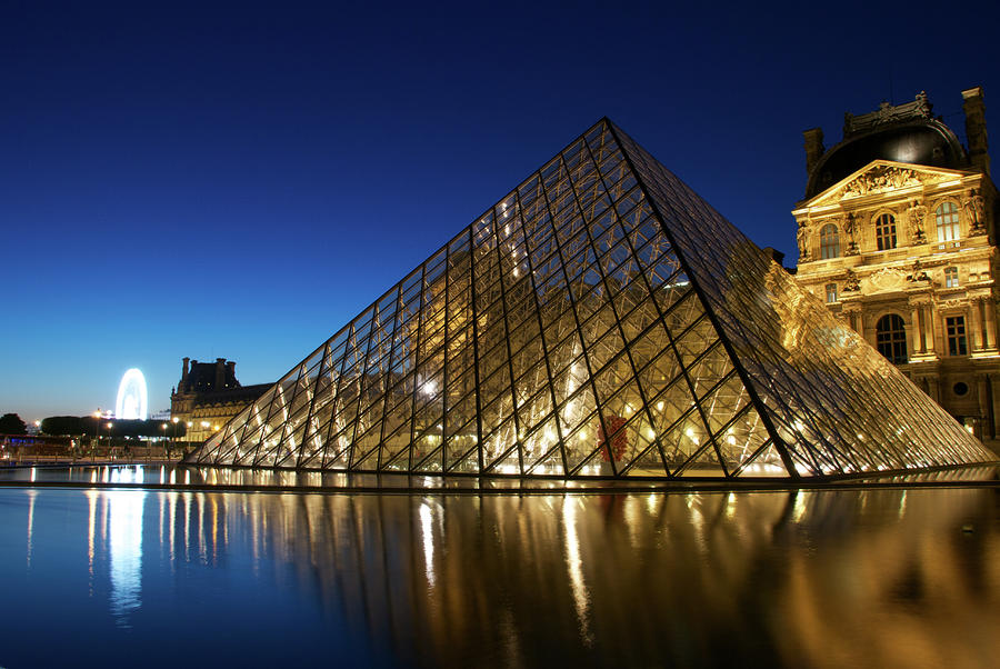 Le Louvre Reflections Of The Pyramid Photograph By Andre