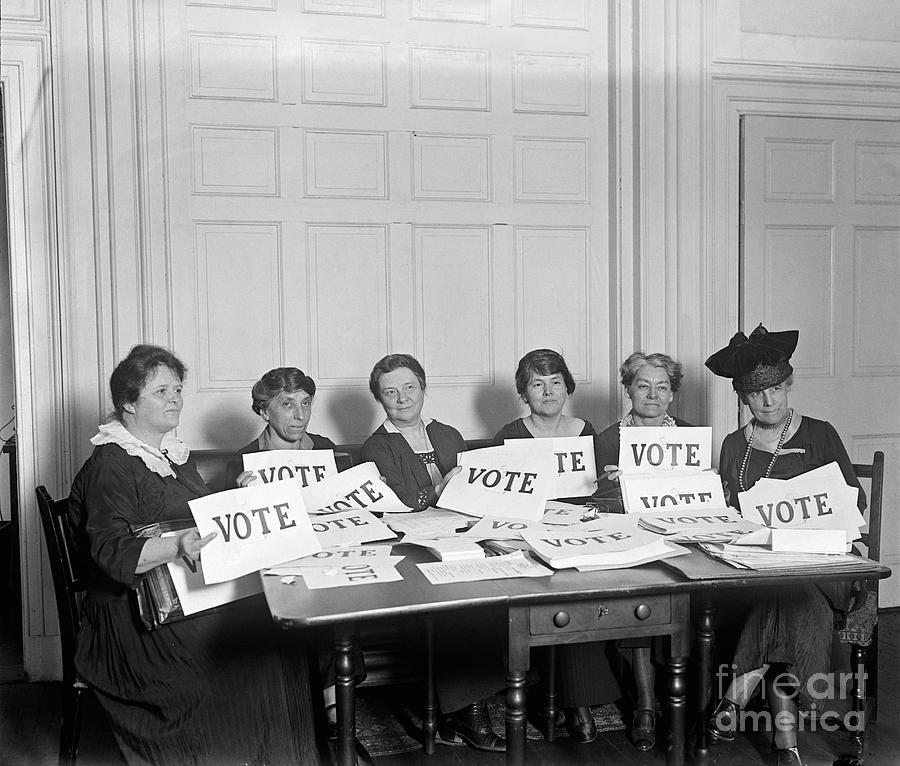 1924 Photograph - League Of Women Voters by Granger