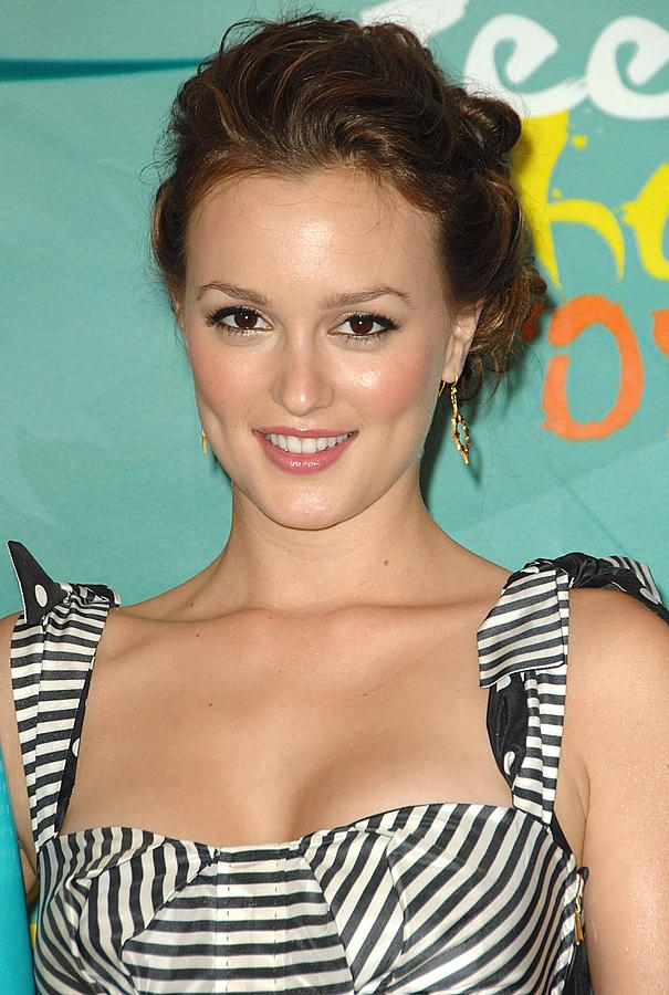 Leighton Meester Photograph - Leighton Meester In The Press Room by Everett