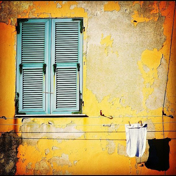 Wall Photograph - Let It All Hang Out #italy #wall by A Rey