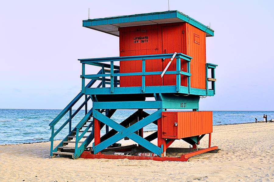 Lifeguard Tower Photograph by Andres LaBrada