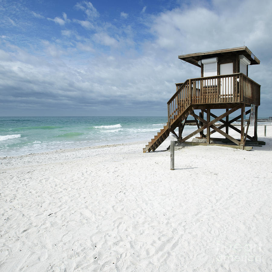 Lifeguard Tower On The Beach Photograph By Skip Nall