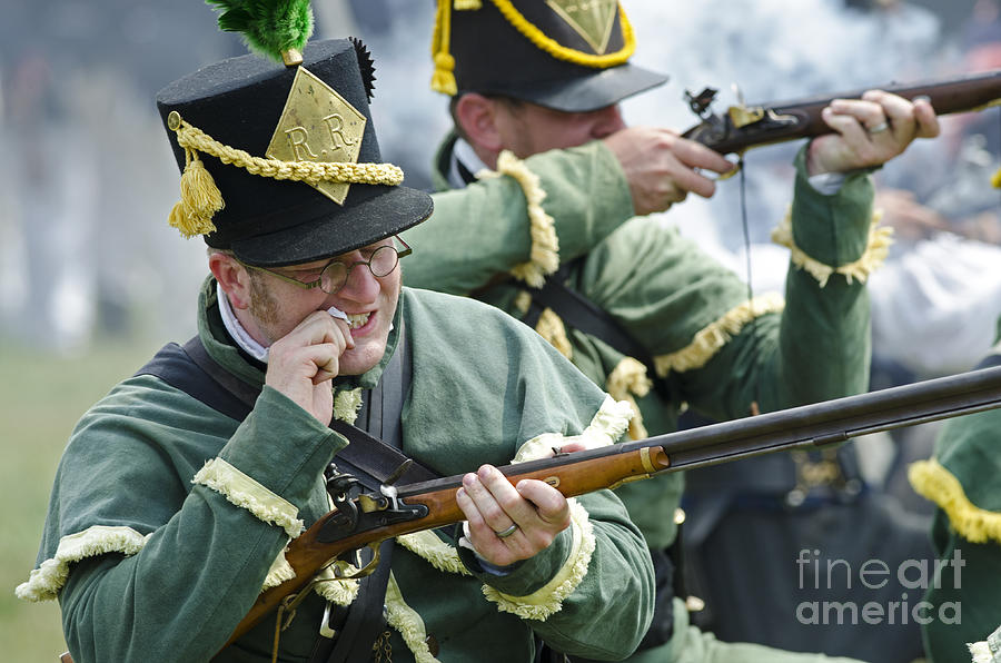 War Of 1812 Photograph - Loading Musket by JT Lewis
