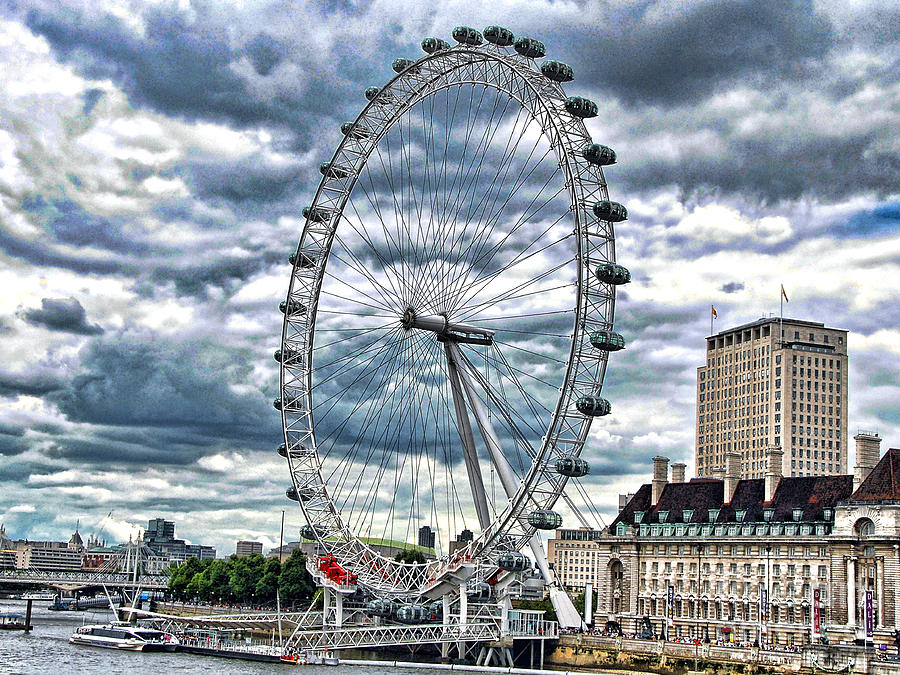 River Thames Photograph - London Eye by Graham Taylor