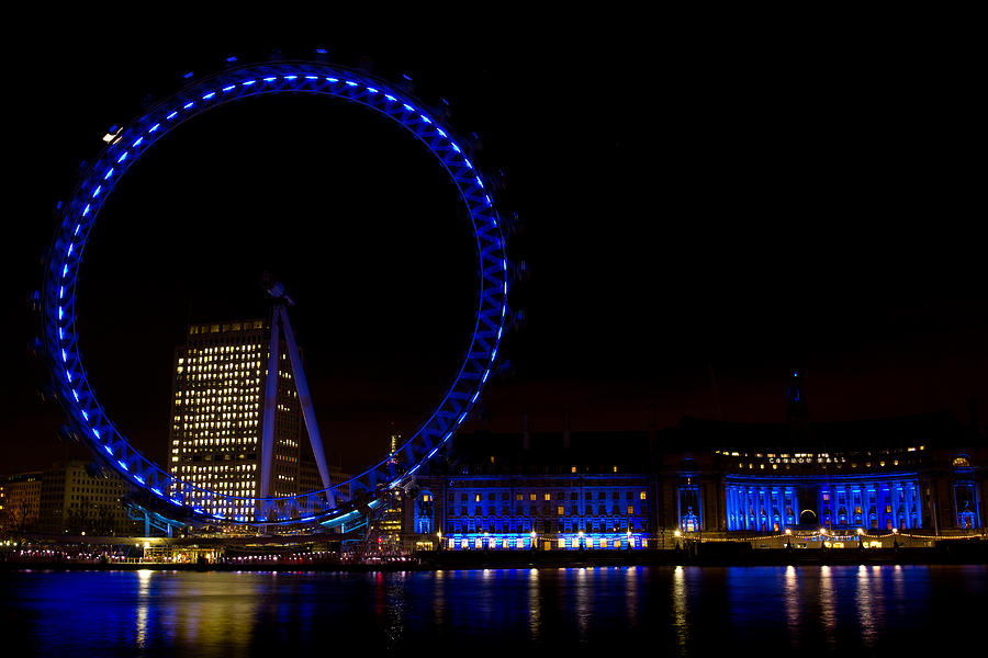 London Eye Night View Photograph By David Pyatt
