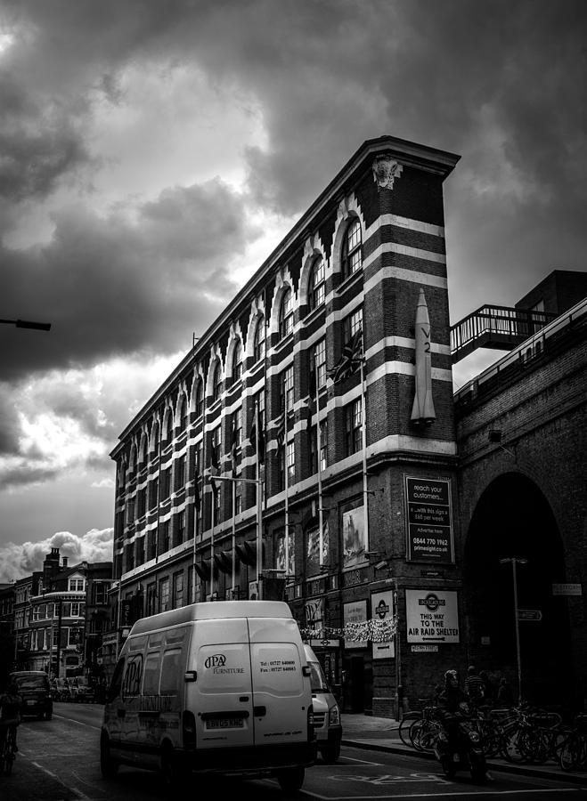 Lenny Carter Photograph - Londons Flat Iron by Lenny Carter