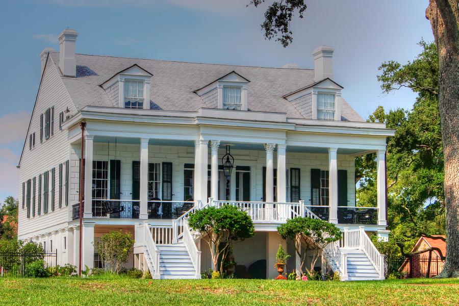 Longfellow Photograph - Longfellow House by Barry Jones