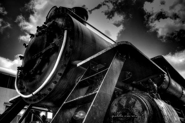 Trains Photograph - Looking Up by Pablo Cuesta