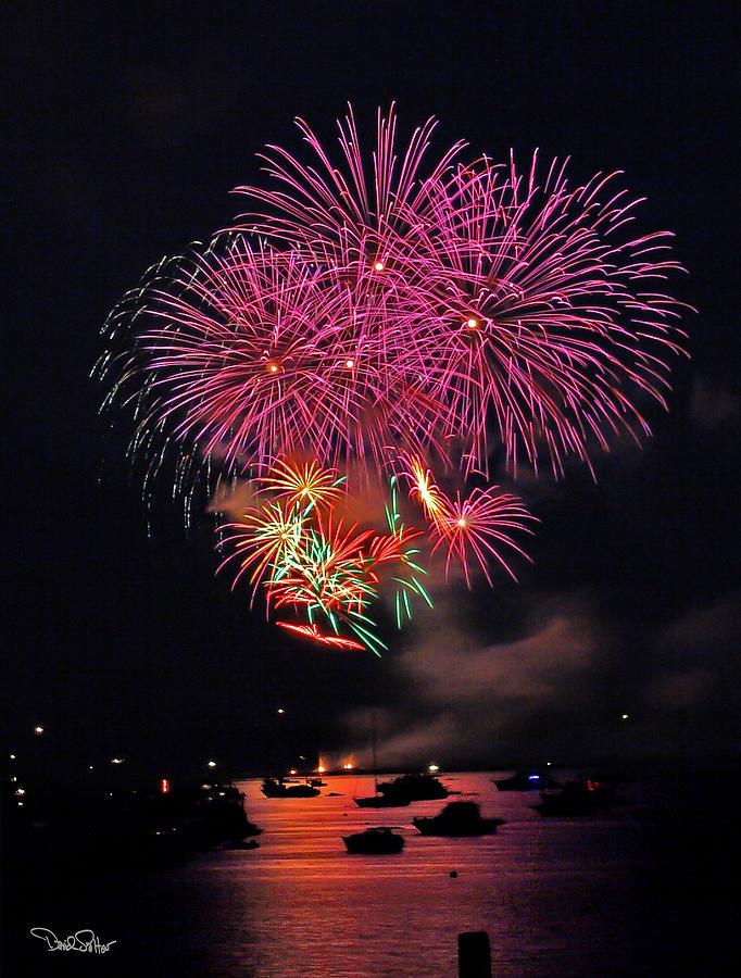 Fireworks Photograph - Lopez Island Fireworks 4 by David Salter