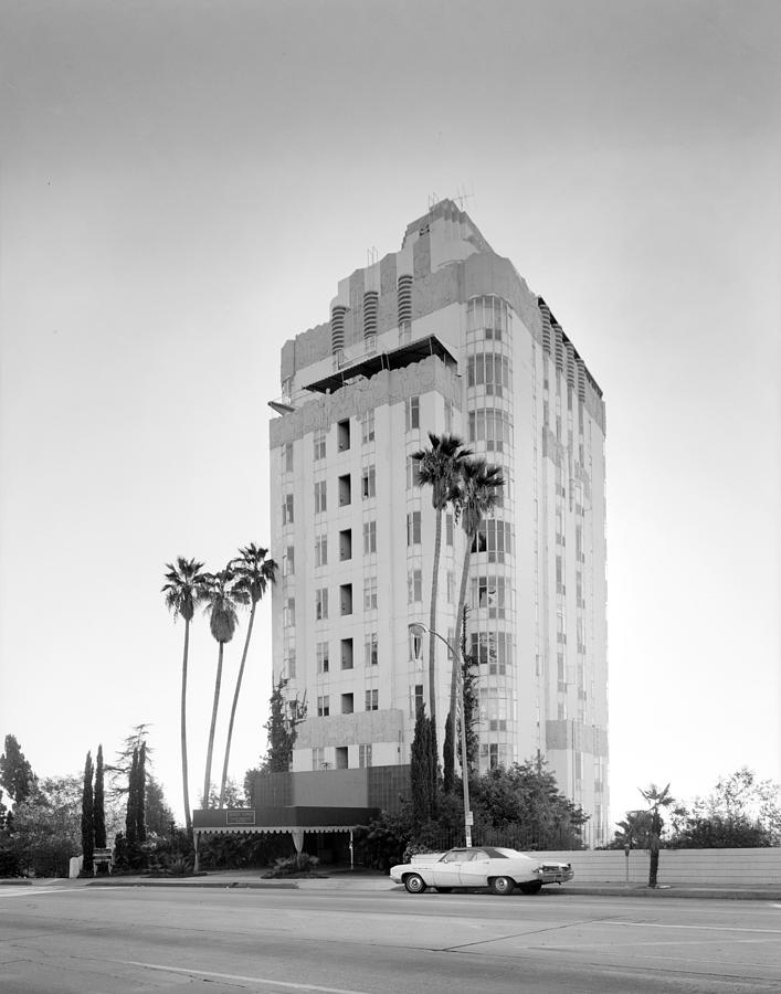 1970s Photograph - Los Angeles, Sunset Tower Apartments by Everett