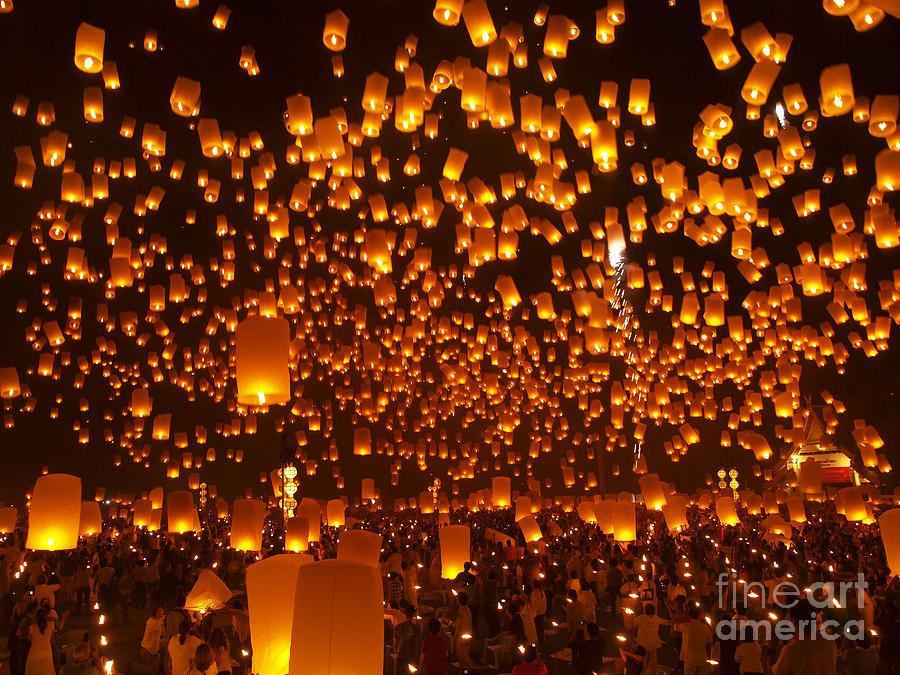 Loy Krathong Sky Lanterns Floating Lanterns Photograph by ...