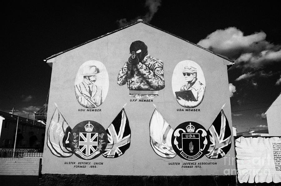 Murals Photograph - Loyalist Protestant Mural Uda Northern Ireland by Joe Fox