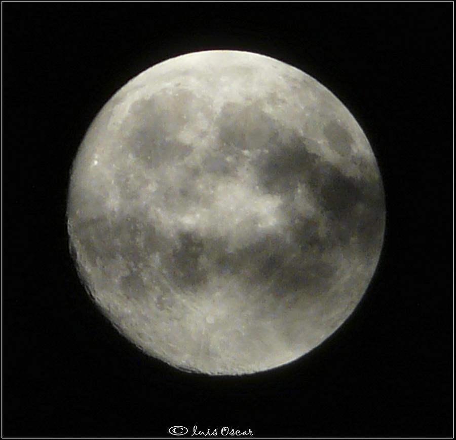 Luna Llena Photograph - Luna by Luis oscar Sanchez