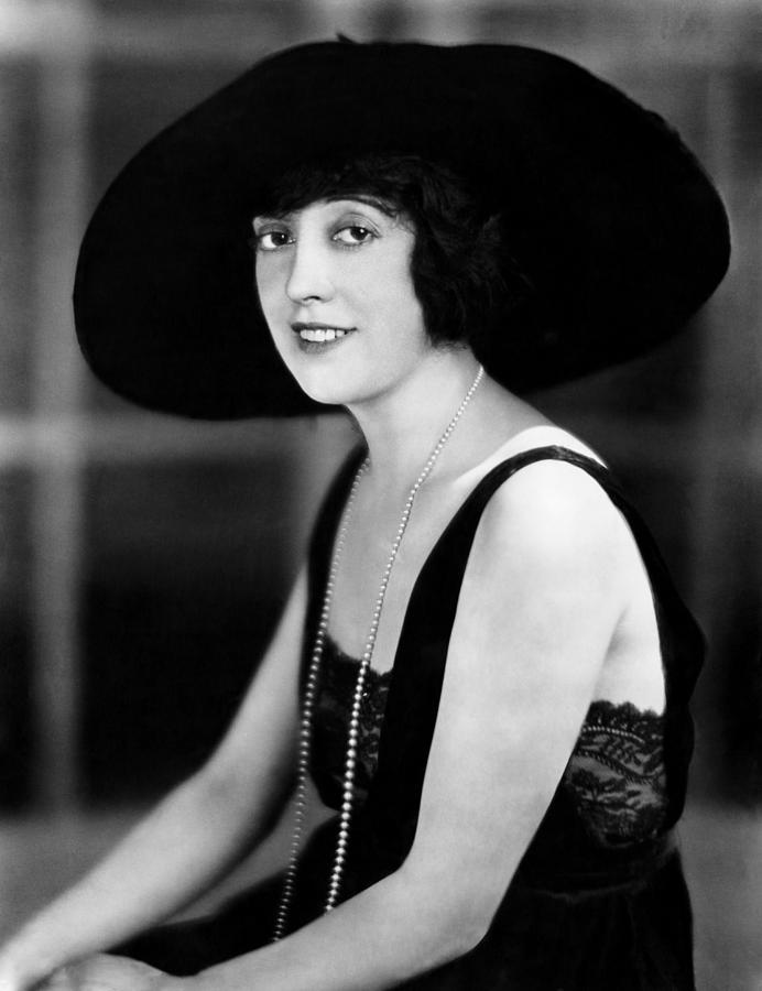 1920s Portraits Photograph - Mabel Normand, 1921 by Everett